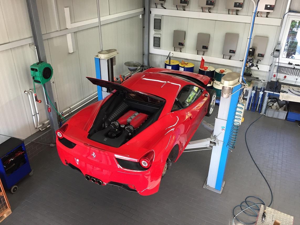 Ferrari 458 wird zerlegt